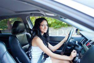 Femeile conduc mai bine decât bărbații?